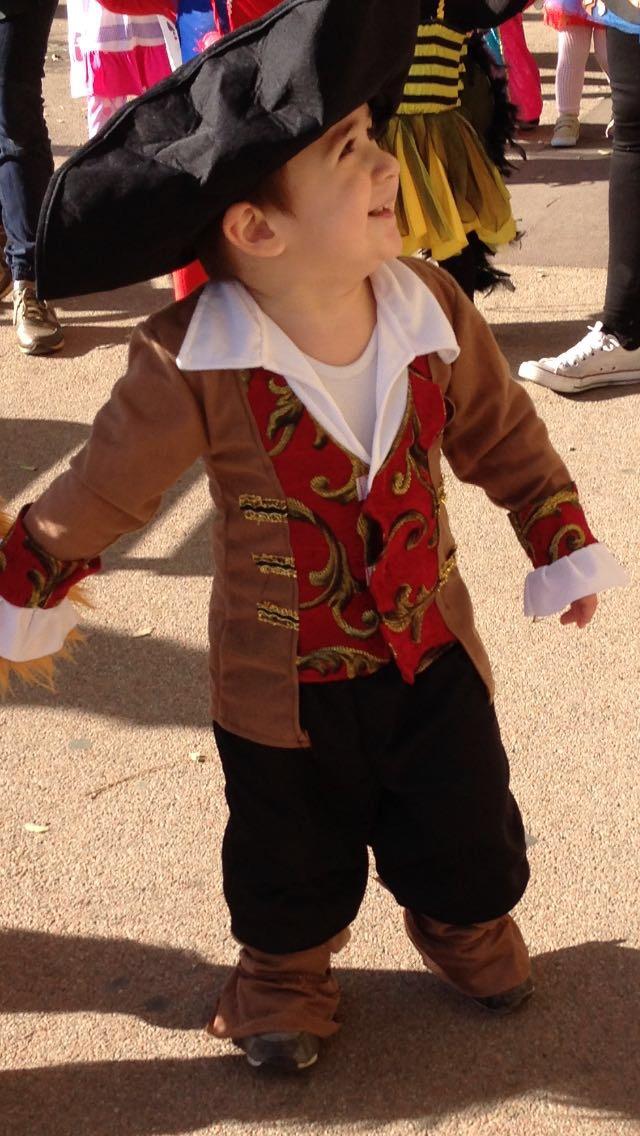 El peque de capitán pirata